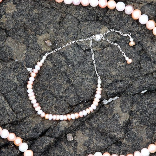Multi-coloured Freshwater Pearls Bracelet 2-min