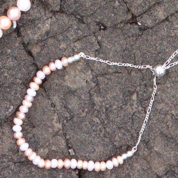 Multi-coloured Freshwater Pearls Bracelet 3-min