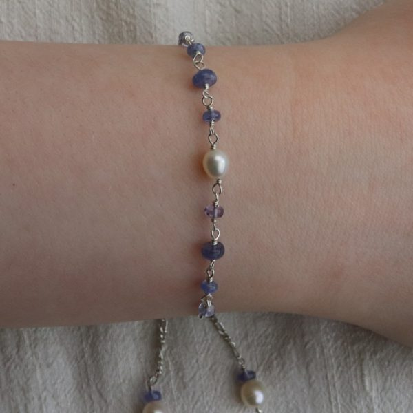 Tanzanite and Pearl Slider Bracelet (11)-min