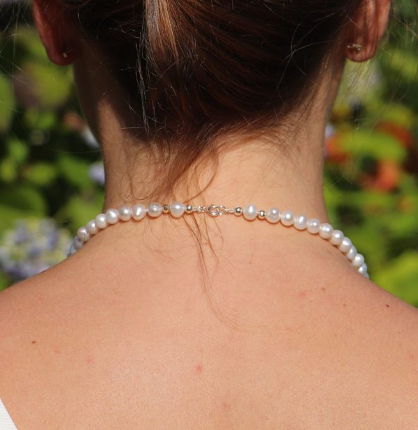 Classic Single Strand Pearl Knecklace 2